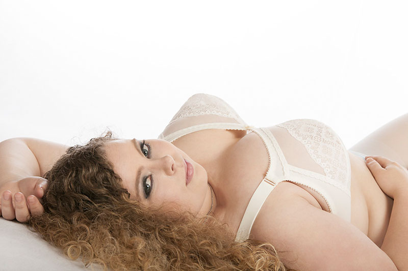 Curvy Model Dessous Shooting - Erotische Fotos - Fotostudio OWL - Kreis Lippe